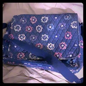 Vera Bradley messenger bag 🌺Ellie Flowers🌺 GUC